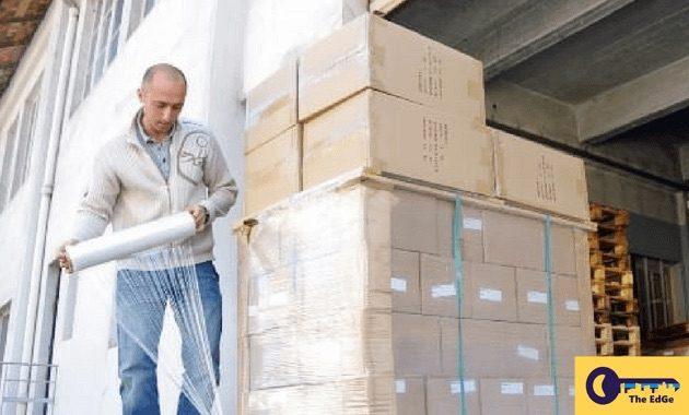 Bersatu Saling Menjaga Keselamatan Rekan Kerja di Gudang Dengan Mengikuti Tips Ini - JualGudang