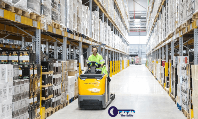 10-tips-menjaga-keselamatan-pekerja-gudang