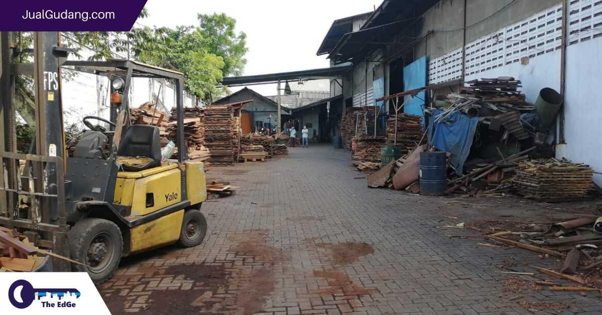 Sewa Gudang Raya Osowilangun Surabaya - JualGudang (1)