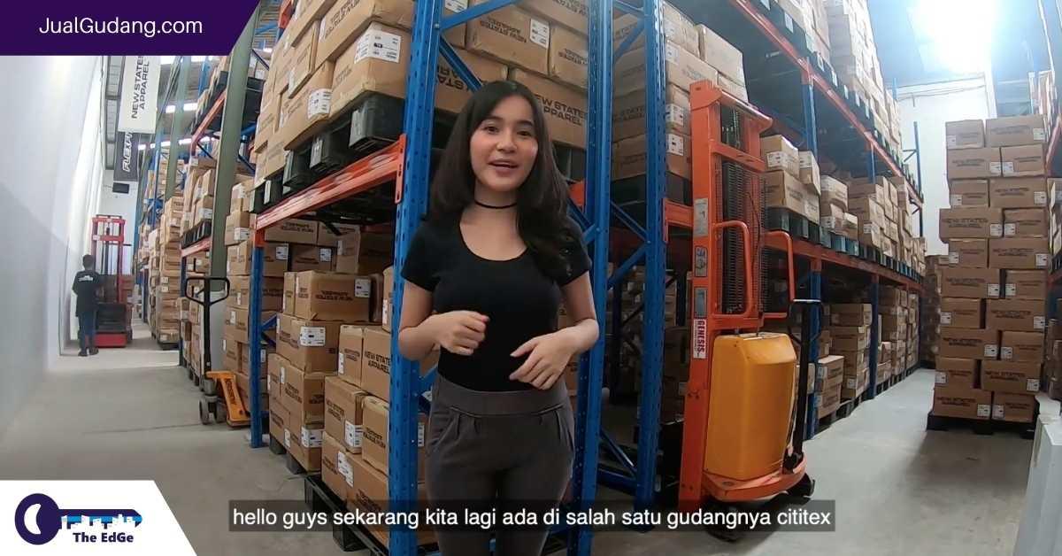 Jalan-Jalan Bersama Tami ke Gudang Kaos Polos Terbesar di Indonesia - JualGudang